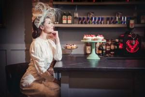 Beverley Edmondson Cream Feather headpiece, Photography by Ginny Marsh